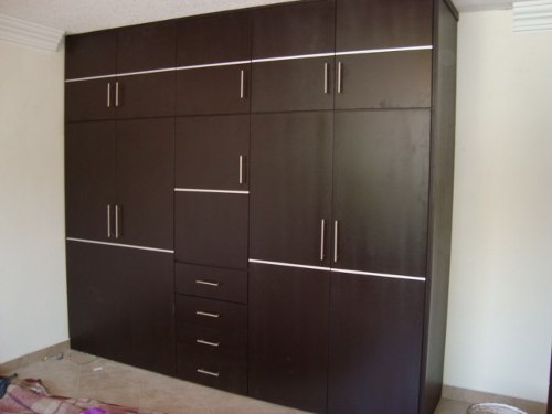 Closets de madera closets modernos bogot closets madera for Walking closet modernos pequenos
